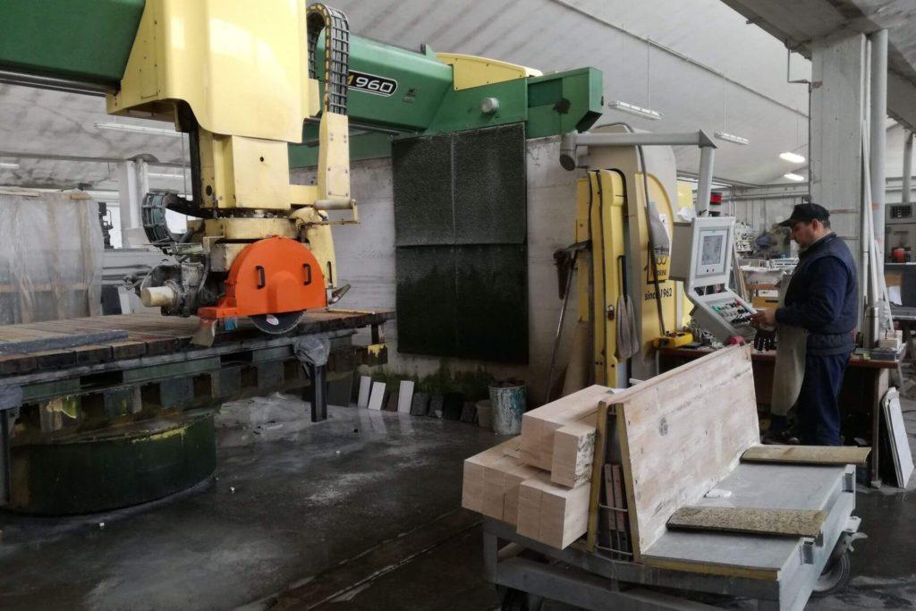 capannone per lavorazioni marmo granito pietre navoni