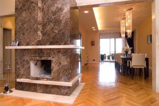 Come pulire camini e caminetti in marmo ad angolo e classici