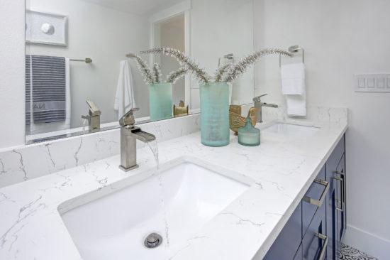 Il piano in marmo per bagno, una scelta per la vita