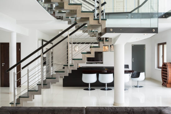 Scale in marmo per interni, moderne ed essenziali